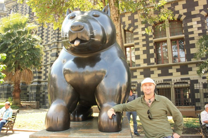 JL with one of Botero's sculptures