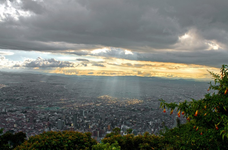 The view that awaits fitness fanatics who hike up Monserrate (photo: Tijs Zwinkels)