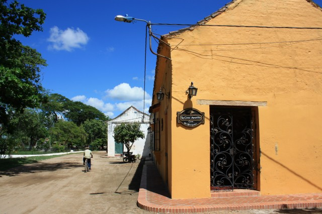 Outside La Casa Amarilla, Mompox