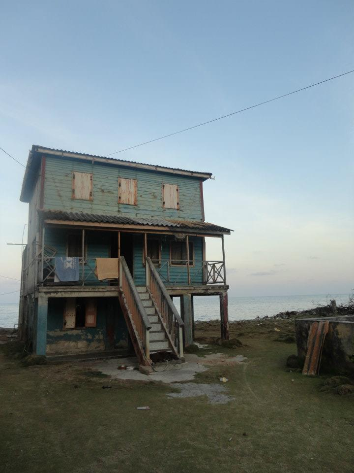 Housing on the coast of San Andres