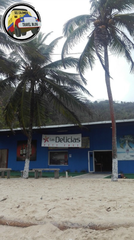 El Duty Free en medio de la playa