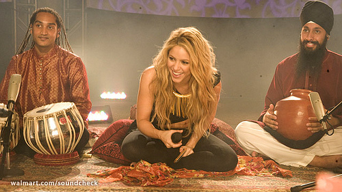 Shakira, super celebrity and expert on the Colombian National Anthem (which btw, was written by another costeño).