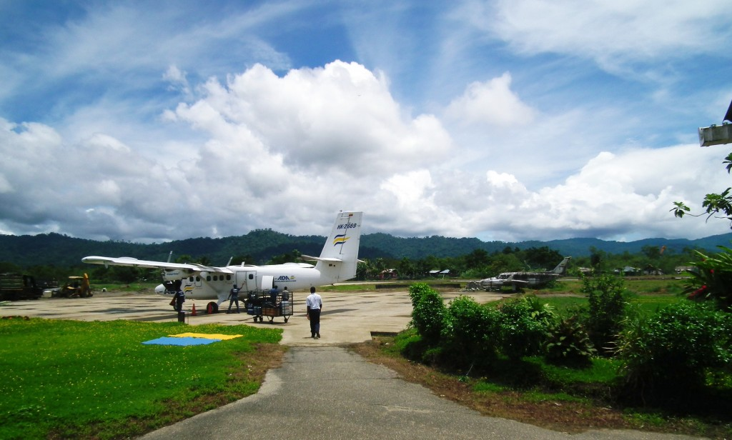 Nuqui's airport - seriously, move the wrecked plane!