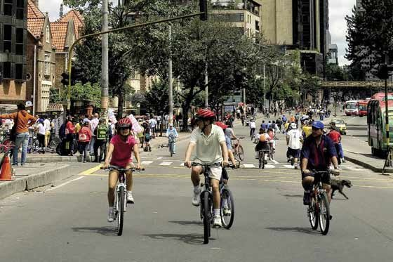 Cyclists enjoying the Ciclovia