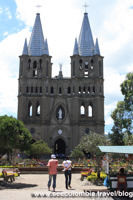 Travelling Around Medellin The Charming Town Of Jardin Colombia
