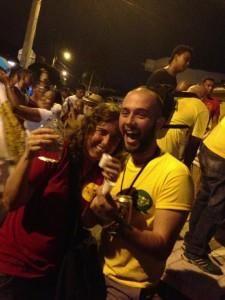 Toya from Colombia de Una and I in the Rueda de Cumbia