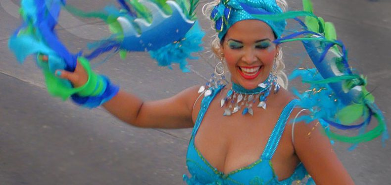 carnival-of-barranquilla-blue-girl1