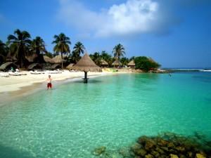 Isla Mucura Punta Faro beach