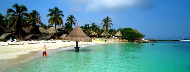Isla Mucura Beach