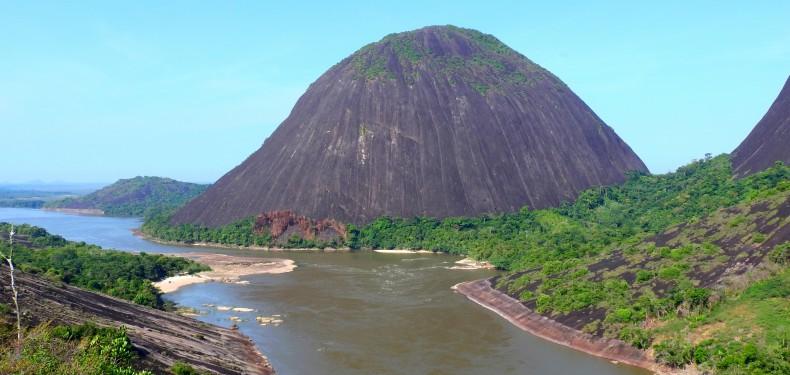 cerros de mavecure guainia colombia
