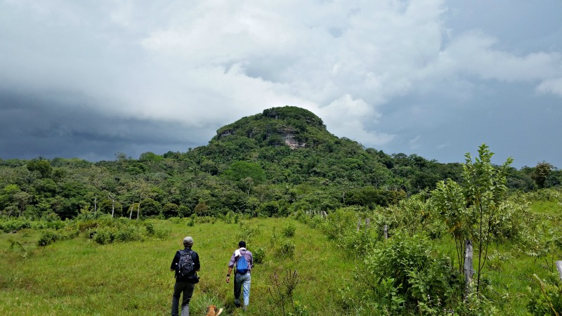 cerro azul guaviare colombia