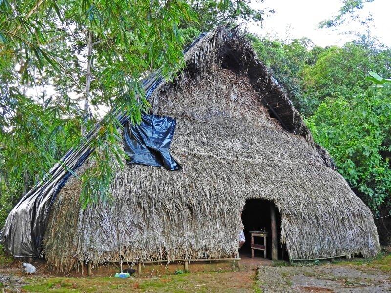 La 'Maloka' del pueblo Huitoto cerca de Florencia
